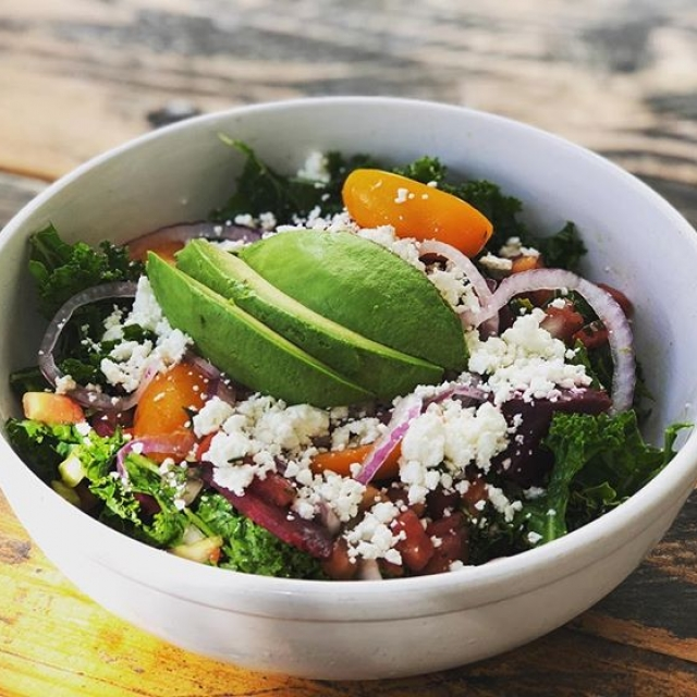 A little #kale #beet #salad this fine Sunday 🥗 @cenoteaustin